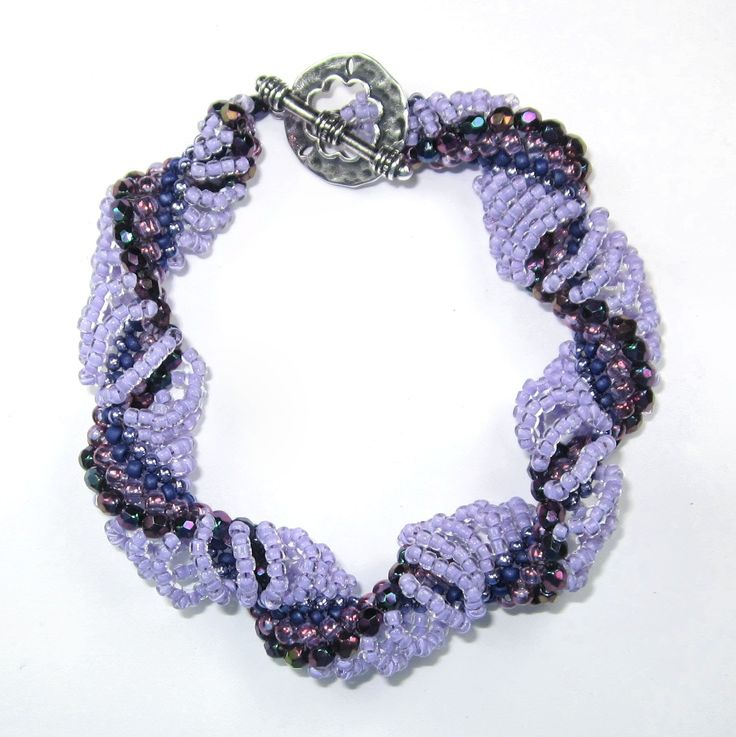 Dutch Spiral Bracelet or Necklace Tutorial.  (See the difference between the look of a Dutch vs. a Cellini.)