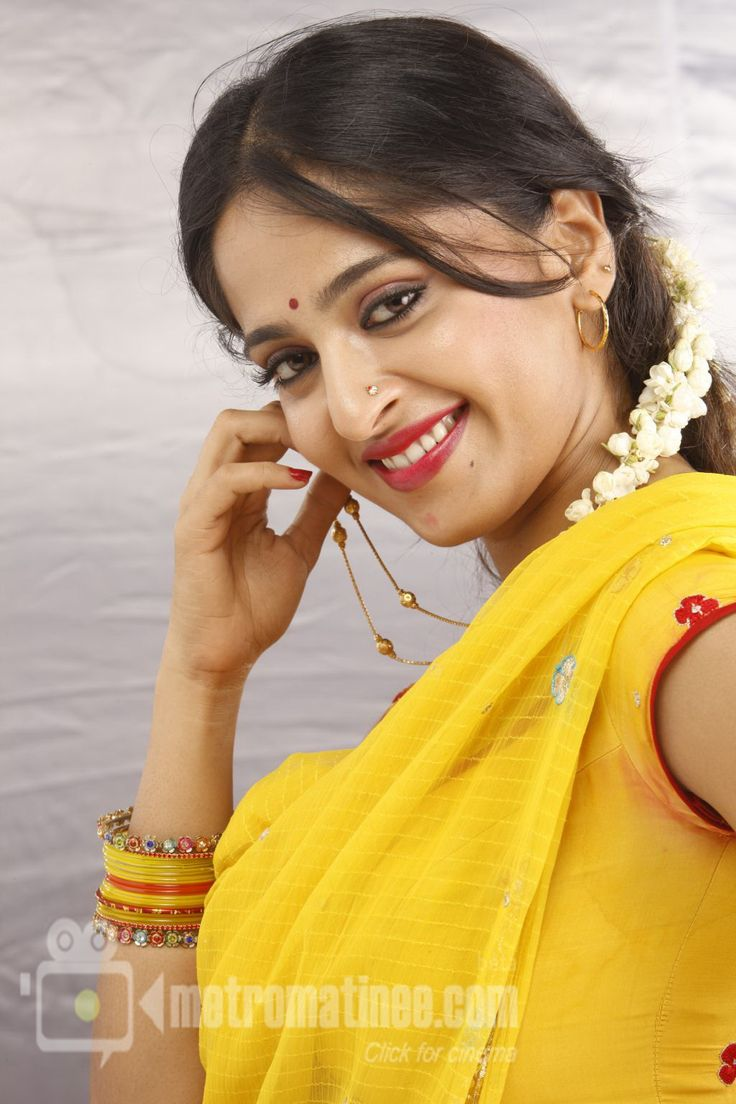 Cute Anushka Shetty.. For More: http://anushkashetty007.blogspot.in/