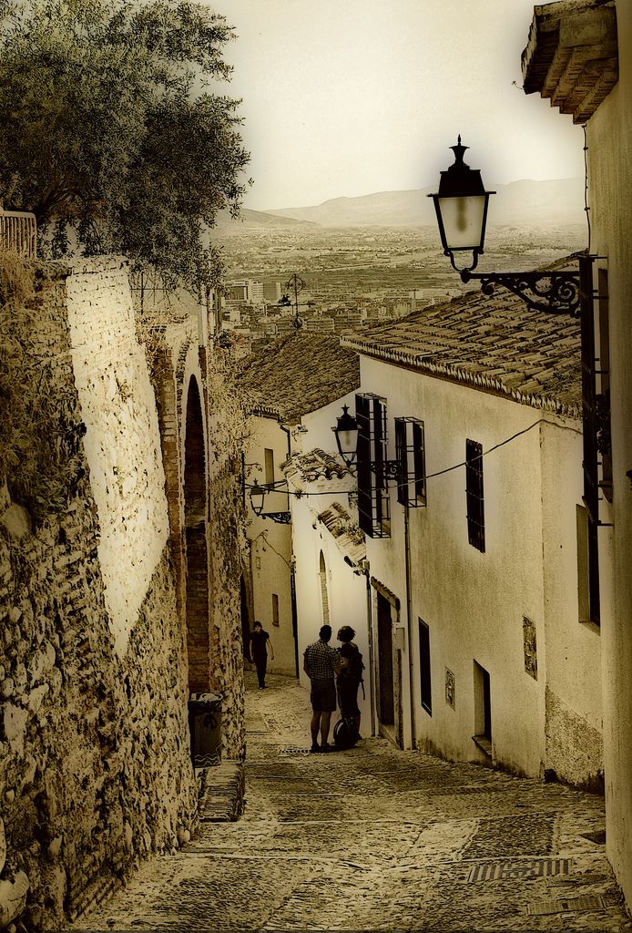 One of my favorite parts of Granada was strolling through these old streets. Such an incredible culture!