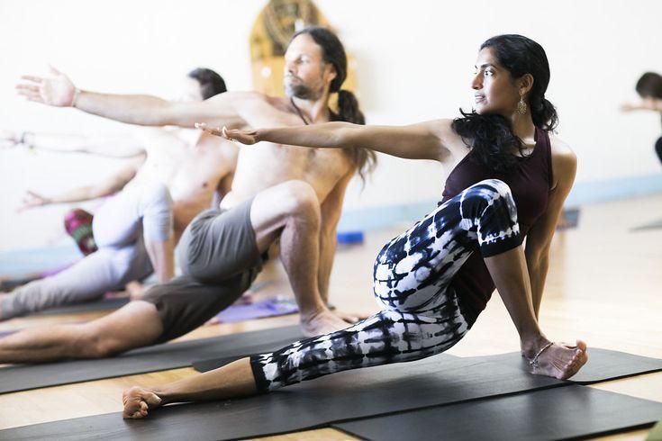 skandasana - awesome hip flexor stretch....outer leg lovelyness
