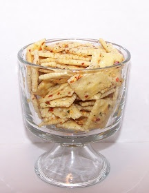 Buttercup Lagoon: Seasoned Crackers