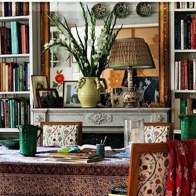 Paris apartment of Carolina @carolinairving @carolinairvingtextiles Regramvfrom @cabanamagazine  @martinamondadori @miguelfloresvianna