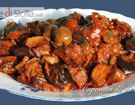 Il patè di pomodori secchi si può considerare il passepartout in cucina perchè molto versatile sia come condimento di primi piatti o deliziose bruschette