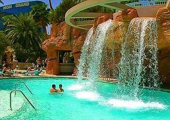 Pools - The Pool at MGM Grand in Las Vegas - BestofVegas.com