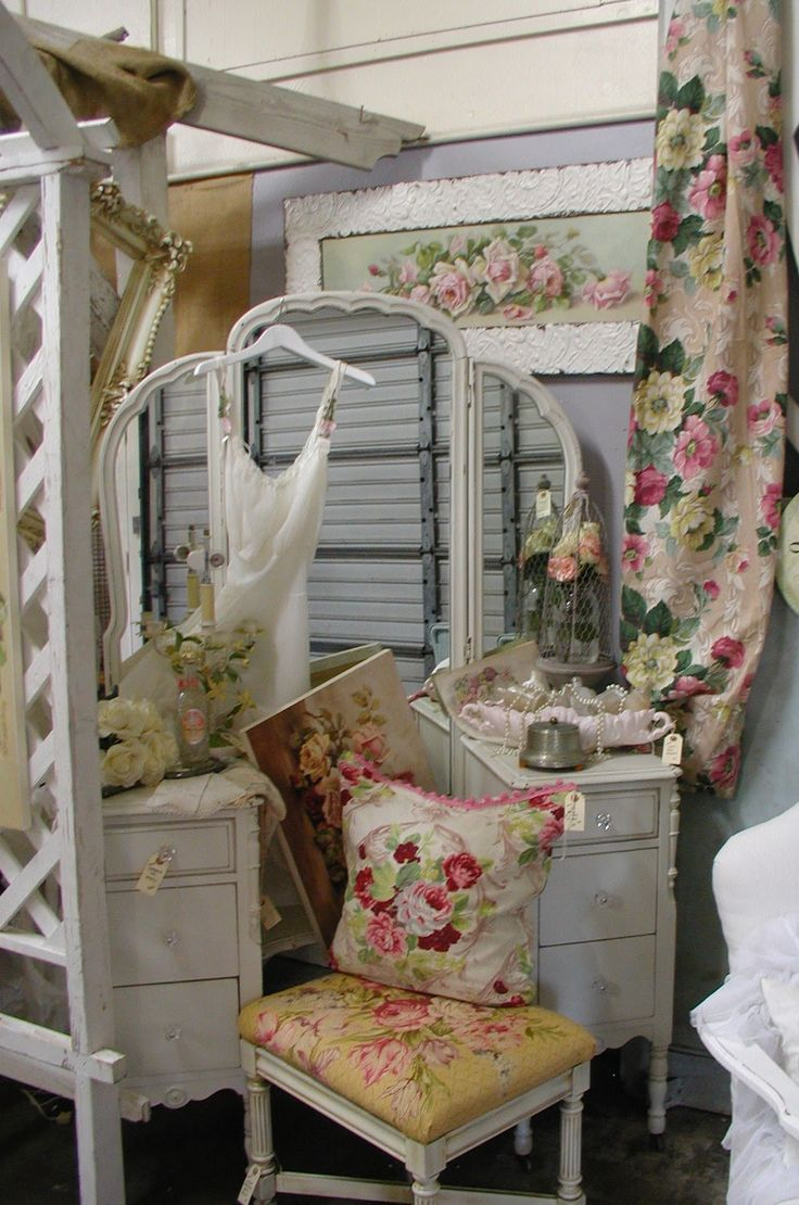 """Chateau De Fleurs: I Had Such an Amazing Time in Arizona at """"Sweet Salvage""""!"""