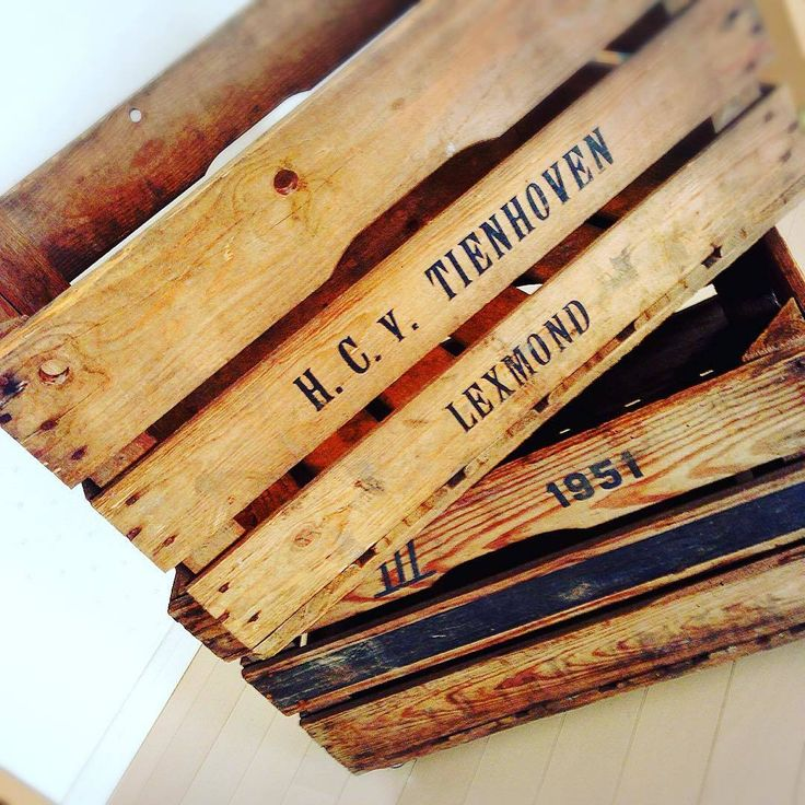 古い木箱、どうしてますか。こんなに使い道があった、様々な大きさの木箱たち。 | アンティークコラム|暮らしの中にアンティークを。