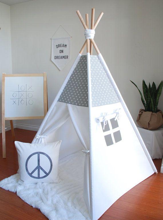 Gris et blanc Mini toile impression de croix par ShopLittleWanderer