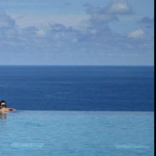 Me, The sky, The ocean, n the pool