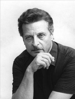 Alfredo Kraus - Spanish Tenor (the Canary islands) (1929-1999) https://www.youtube.com/watch?v=YqRABDFLPqg http://en.wikipedia.org/wiki/Alfredo_Kraus