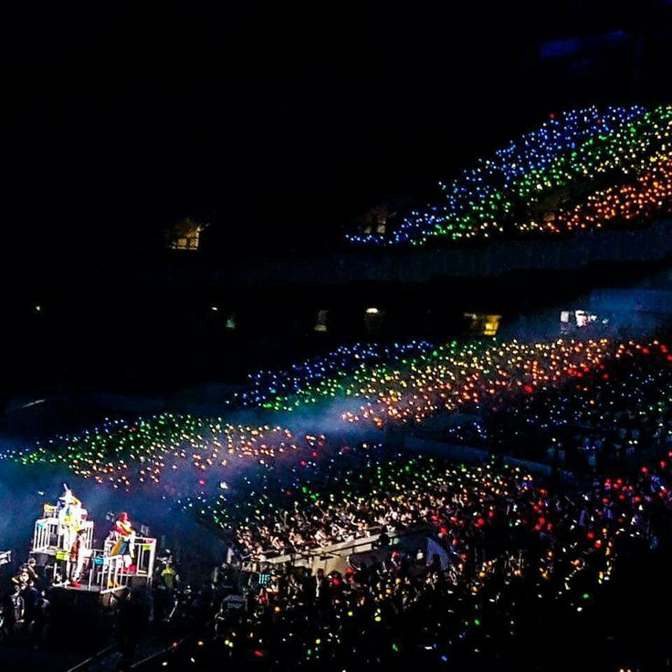 i hope the ocean will always colourful, beautiful and make a meaningful memory to all EXO-Ls and our lovely EXO.