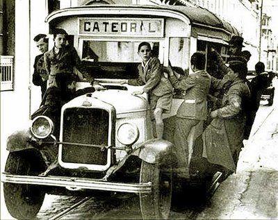 Antiguo vehículo del sistema de transporte público por el centro de Santiago