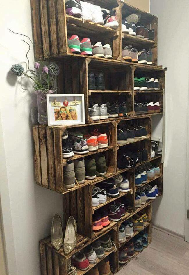 Rustic DIY shoe rack