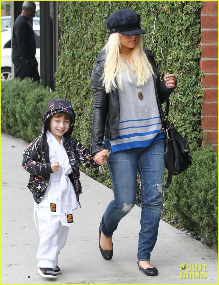 Christina Aguilera and Max - Santa Monica, CA Credit: FameFlynet Pictures