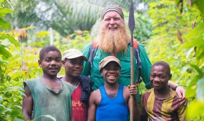 Lutador cristão usa dinheiro do MMA para ajudar tribo perseguida do Congo