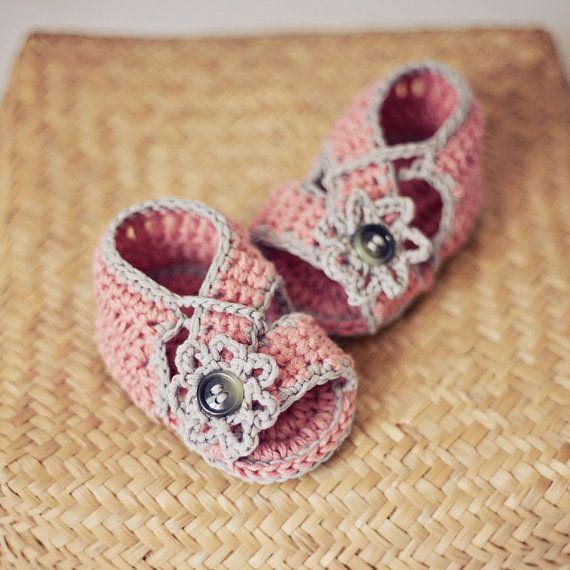 Baby Booties Crochet PATTERN pdf file  Diagonal by monpetitviolon, $3.99