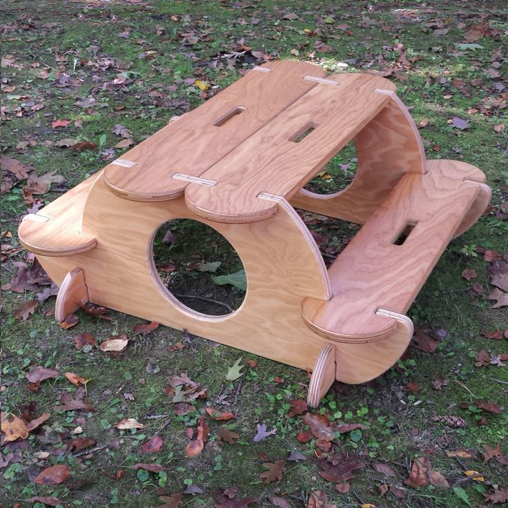 Like the woodsy look? The Kinder Table is reversible! http://bilderhoos.com/collections/hoos-sets/products/hoos-table
