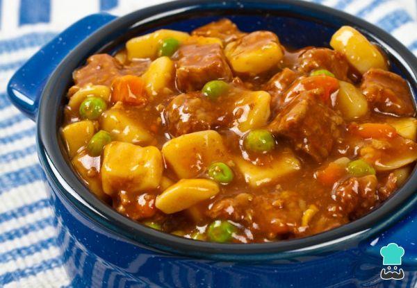 Aprende a preparar ternera a la jardinera con Thermomix con esta rica y fácil receta. La carne guisada es un plato perfecto para cocinar en la época de frío, además,...