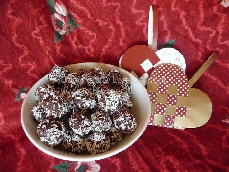 Havregrynskugler. Ja, for mig kan det ikke blive rigtigt jul uden hjemmelavede havregrynskugler med kokos. Dette er min havregrynskugle-opskrift.