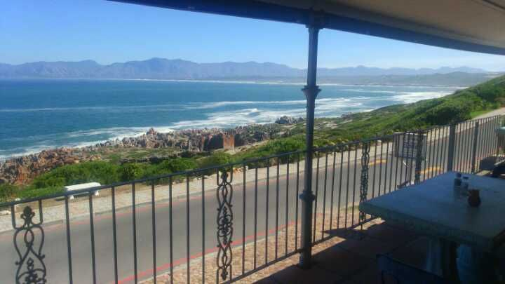 Coffee on the Rocks is a family run restaurant, right on the cliffs of de Kelders, situated between Stanford and Gansbaai  Sumptuous home-cooked meals