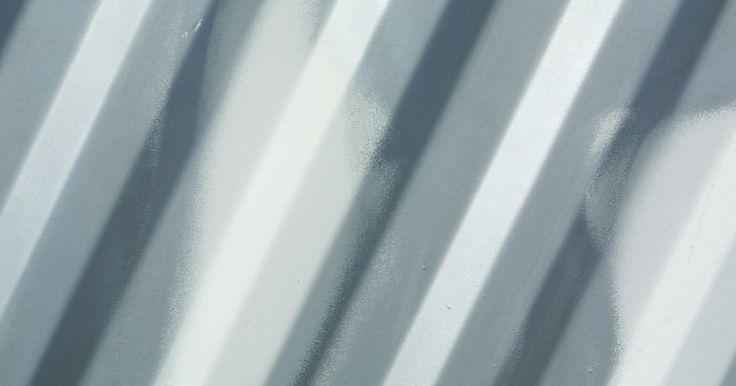 Como imprimir etiquetas com tinta prata. A impressão de etiquetas a partir do seu computador é uma maneira profissional e limpa de endereçar envelopes, presentes ou qualquer outra coisa que você queira rotular. Sendo tão fácil imprimir etiquetas, por que não vesti-las com um pouco de tinta prata? Mude o seu cartucho de tinta preta para prata, siga alguns passos simples e você poderá ter ...