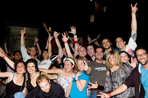 http://www.nightcruiser.com.au/wa/perth/pub_club_cafe/pub_club_crawls.html