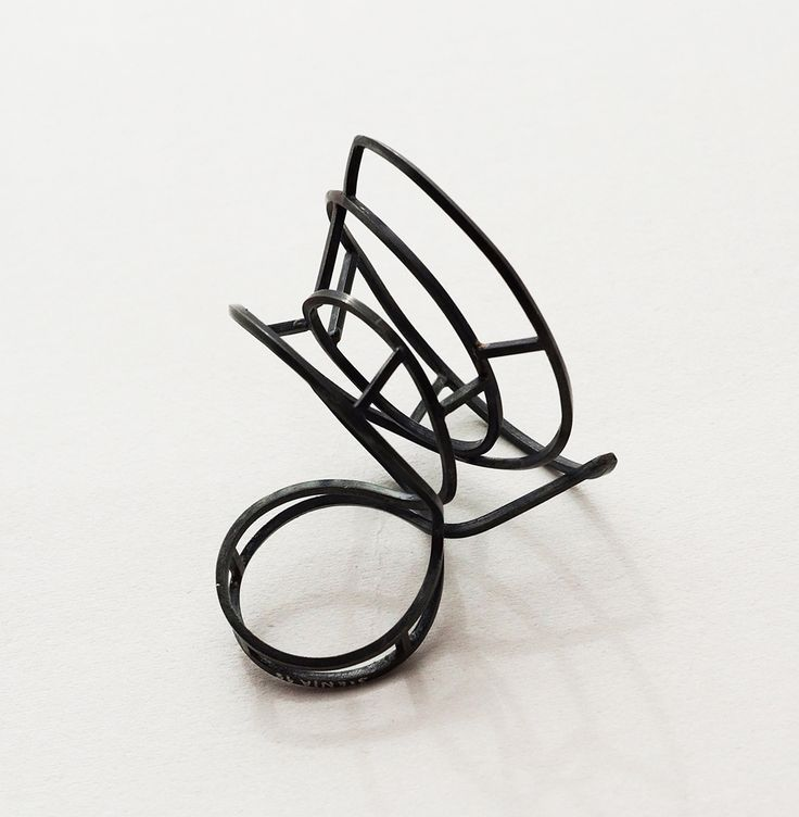 Stenia Scarselli Ring: Architettura danzante, 2015 Oxidized silver 3,5 x 3,5 x 4 cm Photo by: Stenia Scarselli From series: structures