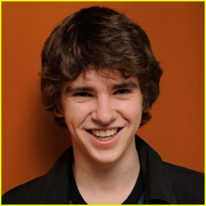 single men in highmore Freddie highmore ranks #25573 among the most man-crushed-upon celebrity men is he bisexual or gay why people had a crush on him hot shirtless body and hairstyle pics on newest tv shows movies.