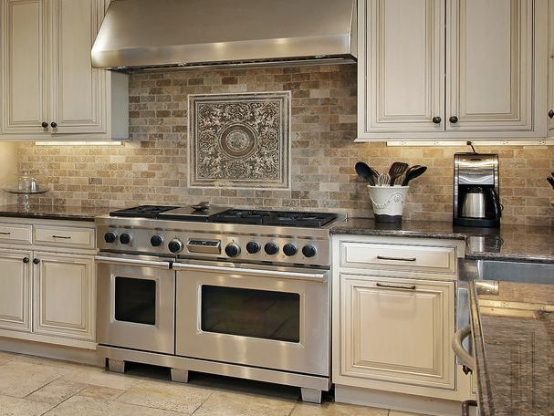 Best 25 natural stone backsplash ideas on pinterest stone backsplash stacked stone - Best white tile backsplash kitchen ...
