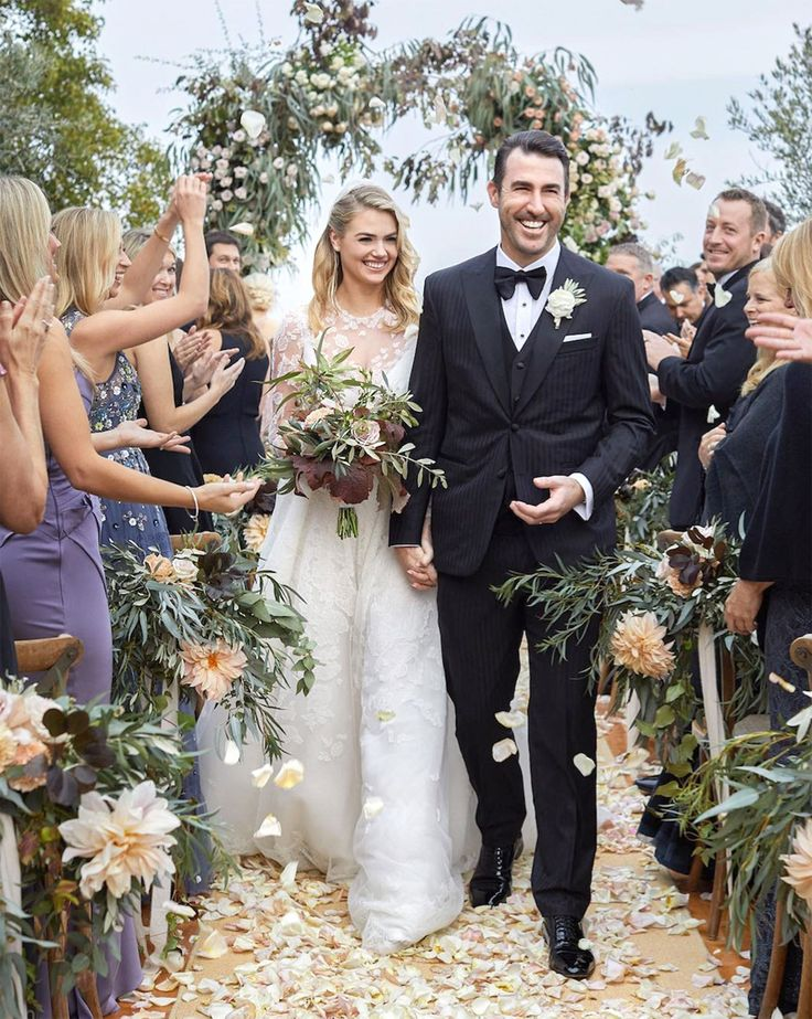 The model and Houston Astros pitcher tied the knot in an intimate ceremony in Tuscany on Saturday