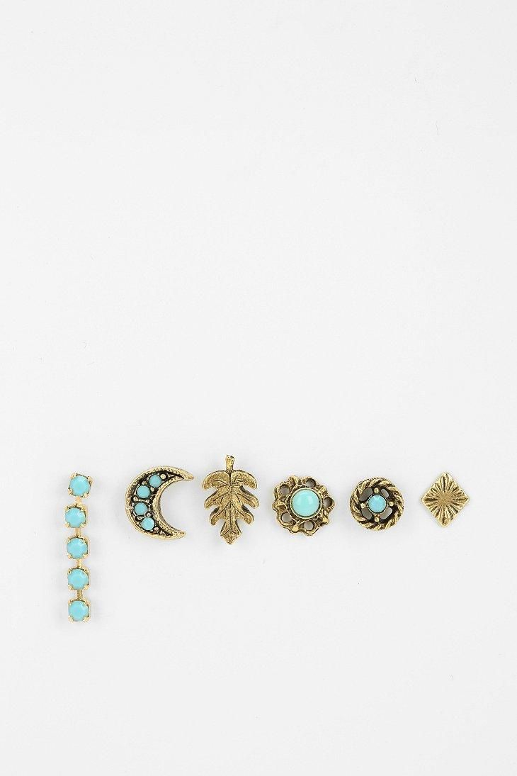 Dreamy Mix + Match Earring Set #urbanoutfitters for my second hole! Perfect since I only have one :)