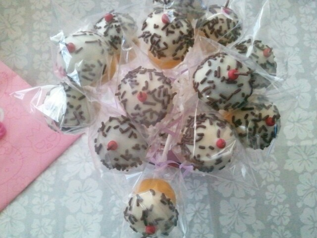 Cupcake cakepop bouquet with tiny candy clay cherries! #wiltoncontest
