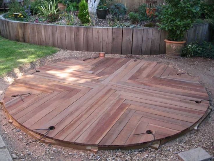 Dave Chamber's circular patio from African Azobe planking Photo 6