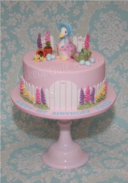 Jemima Puddle-Duck Cake