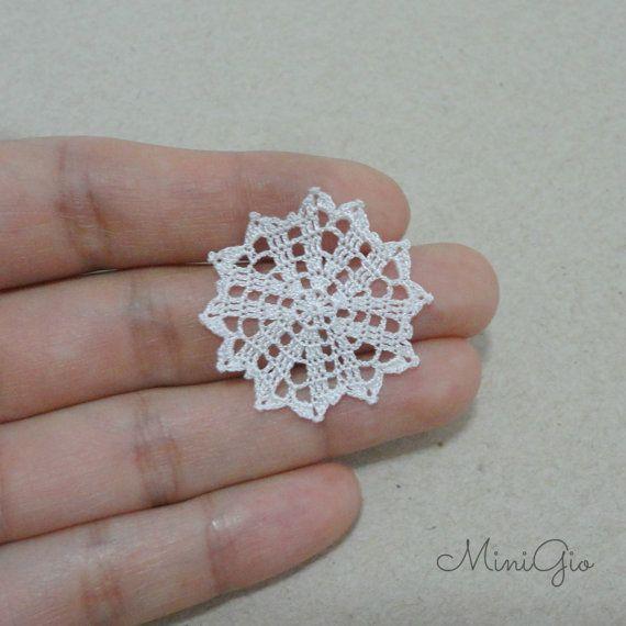 Miniature crochet round doily 1.1 inches dollhouse by MiniGio