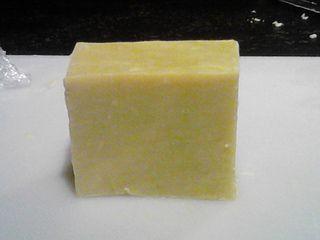"""DIY: Zelf ambachtelijke zeep maken: zie ook goede tips op blog """"dagelijks brood en meer"""". bedankt, schrijfster daarvan !"""