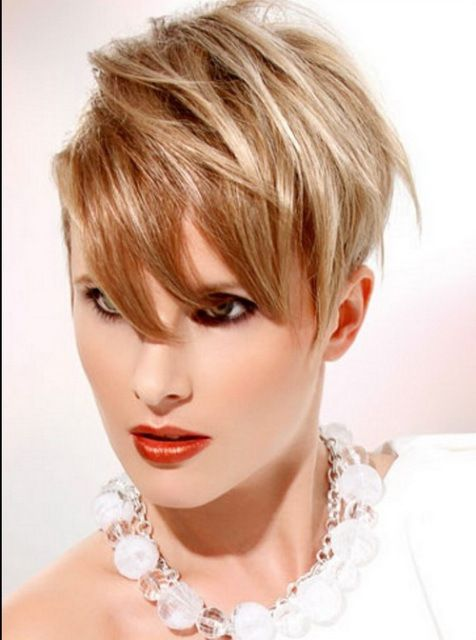 short hairstyle for oblong faces