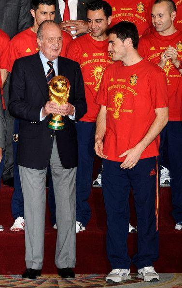 Iker Casillas - Spanish King Meets FIFA 2010 World Cup Winning Team