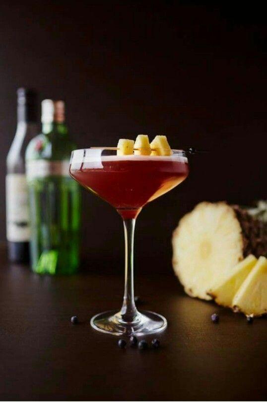 Gin /Creme DE Casis /Pineapple