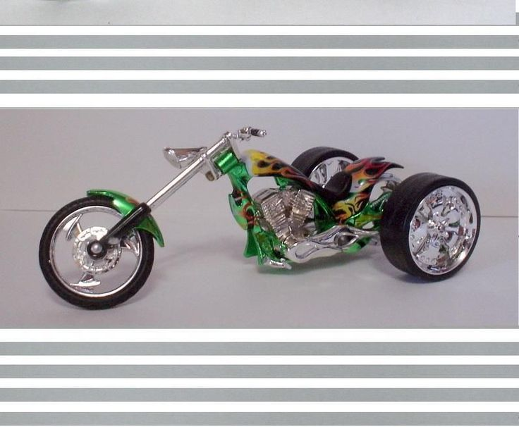 Motor Max Iron Choppers Custom Built Trike 3 Wheeler 1 18