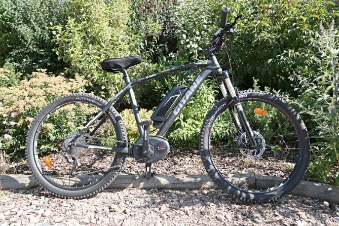 VTT électrique Gitane e-rocks  Location de vélos électriques Un vélo à la campagne  Auvergne