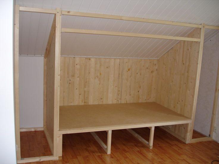 S nickeriprojektet löper vidare och jag vill visa vad som hänt sedan sist. Som Syster Ruffa gissade, så handlar det om att bygga en säng åt ...