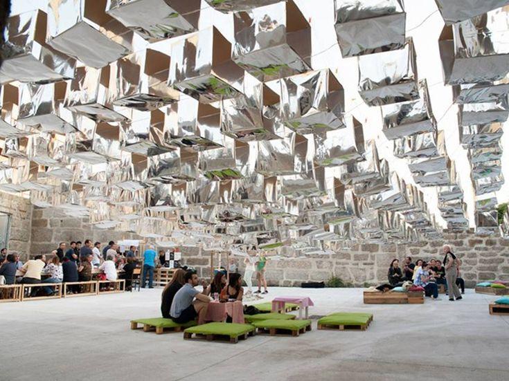 S. João temporary structure  in Porto The installation reinterprets party decoration for street festival