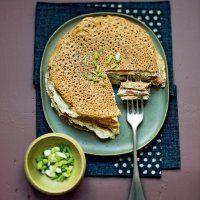 Gâteau de galettes de blé noir au saumon