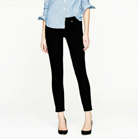 "Black J Crew Toothpick Jeans Great condition!  Inseam 28"" 98% cotton  2 % elastane J. Crew Jeans Skinny"