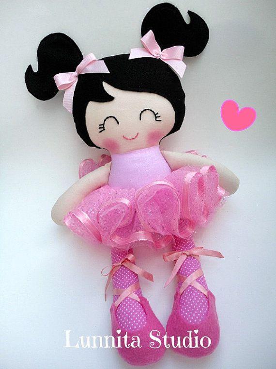 Bailarina muñeca, muñeca de tela hecha a mano, regalo de la muchacha, muñeco de trapo, muñeca de trapo, muñeca de la tela... Respetuoso del medio ambiente muñeca... dulce muñeco de trapo... LISTO PARA ENVIAR