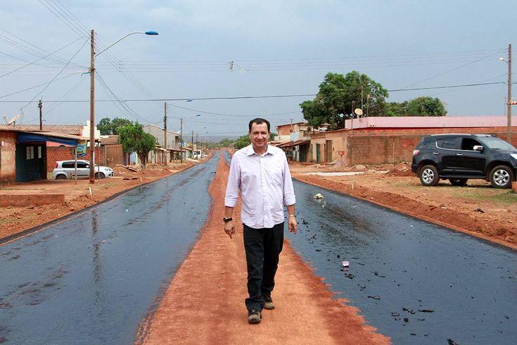 O setor estava sucateado e em apenas três anos foi promovido uma mudança jamais vista em Goiás com investimentos maciços na assistência à saúde para atender à demanda da população do município que já passa de 200 mil habitantes