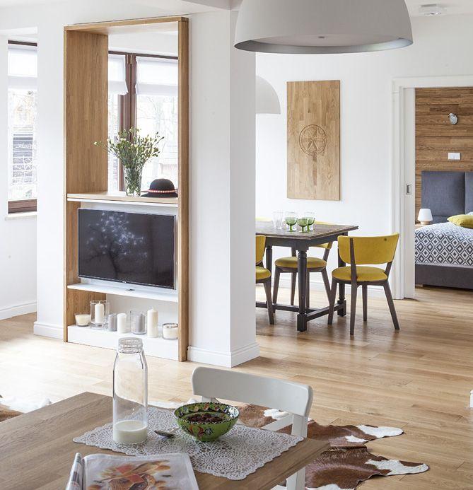 #livingroom #zakopane #tv #shelf #lamp #etno #folk #apartamentinmountains #jacektryc  #architecture #projektowanie #warszawa