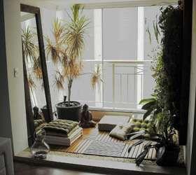 De acordo com o paisagista Alexandre Fang, o cliente queria uma sala para leitura. Para deixar a área mais aconchegante, o piso foi revestido por um deck de madeira e um futon. Informações: (11) 5052-9605 Foto: Alexandre Fang Paisagismo
