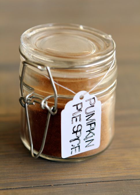 DIY Pumpkin Pie Spice, great for coffee, baking, and for fall gifting...: Homemade Pumpkin, Gifts Ideas, Gift Ideas, Adorb Gifts, Fall Gifts, Buy Pumpkin, Pumpkin Spice, Easy Gifts, Diy Pumpkin