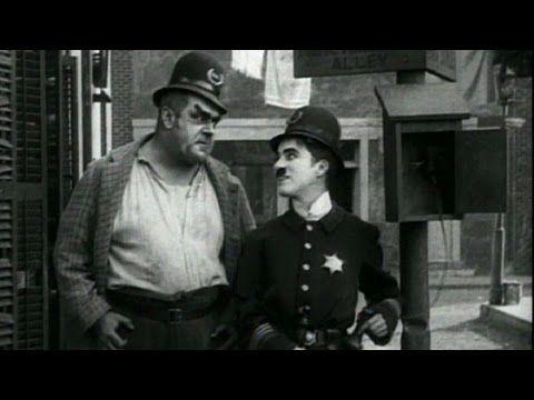 Charlie Chaplin: Easy Street (1917)